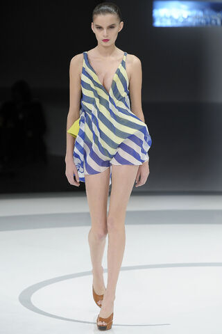 File:Hussein Chalayan Spring 2009 RTW Striped Dress.jpg