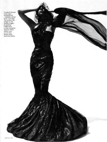 File:Vogue UK October 2009 003.jpg