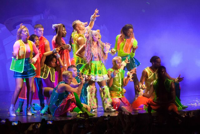 File:7-25-14 Bad Romance artRAVE the ARTPOP ball.jpg
