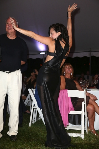 File:7-27-13 Watermill Center benefit Auction 004.jpg