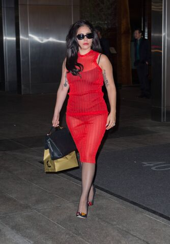 File:Leaving Nobu Restaurant In NYC (May 11) (3).jpg