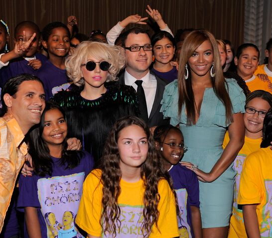 File:Backstage At Billboard's 4th Annual Women In Music, New York 002.jpg