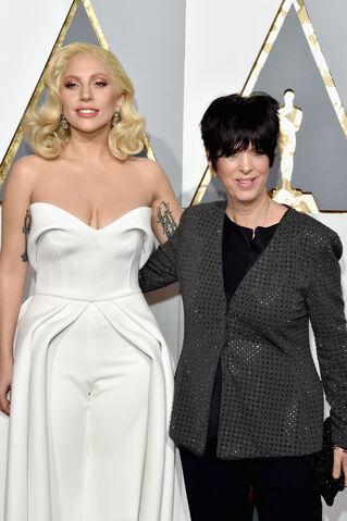 File:2-28-16 Red carpet at The Oscars in LA 005.jpg