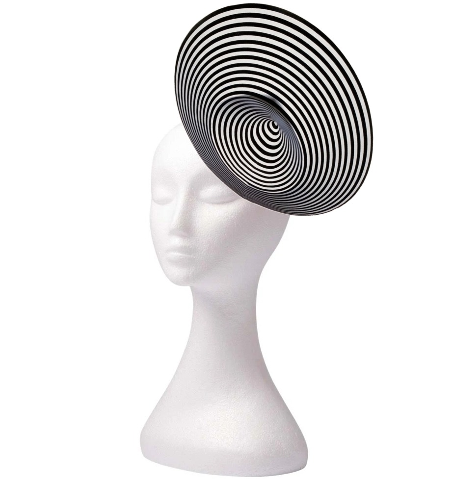 File:Philip Treacy Spring Summer 2011 Round Striped Hat.jpg