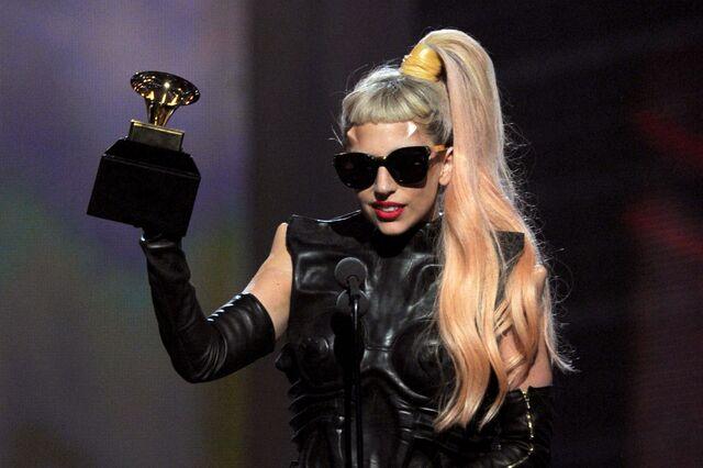 File:2-13-11 Grammy Acceptance 002.jpg