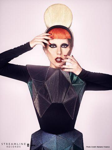 File:Born This Way USB - Mariano Vivanco 005.jpg