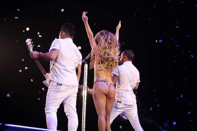 File:5-6-14 MANiCURE - artRAVE The ARTPOP Ball 001.jpg