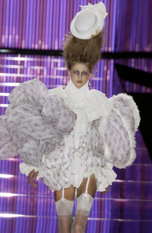 File:John Galliano - Spring 2004 Collection 001.jpg