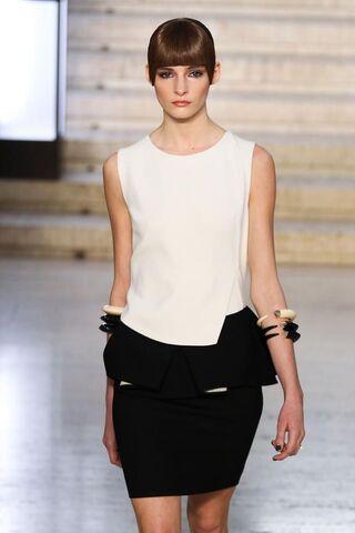 File:Antonio Berardi Fall 2012 RTW Peplum Dress.jpg