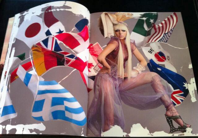 File:Super Lady Gaga 009-010.jpg