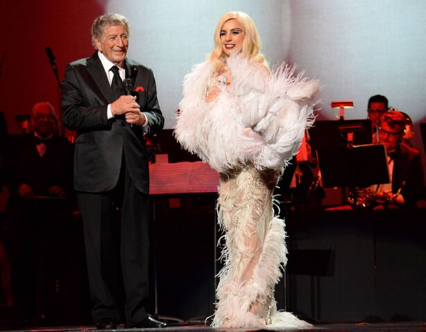 File:2-8-15 Cheek to Cheek Tour 005.jpg