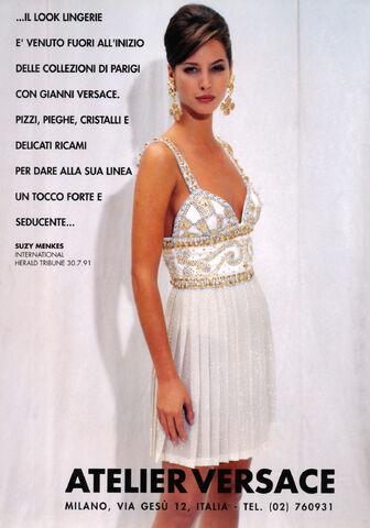 File:Atelier Versace Fall-Winter 1991 dress.jpg