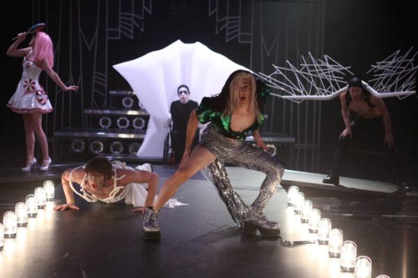 File:Glee-songs-GagavsPerry.jpg