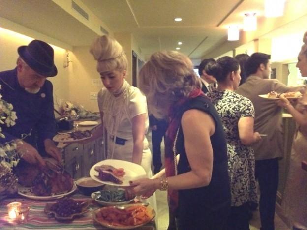File:12-25-11 Christmas Dinner at Joanne Restaurant.jpg