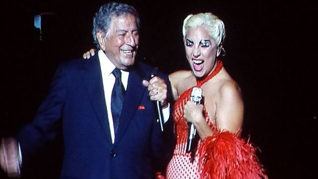 File:6-26-15 Cheek to Cheek Tour 001.jpg