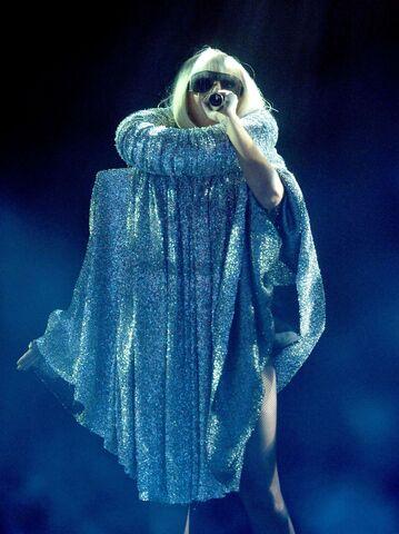 File:6-19-09 The Fame Ball Tour at Kool Haus in Toronto 006.jpg