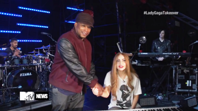 File:4-2-14 MTV Takeover 004.png