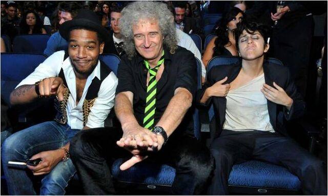 File:VMA 2011 Audience 005.jpg