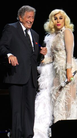 File:6-8-15 Cheek to Cheek Tour 004.jpg
