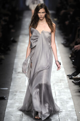 File:Valentino Spring 2010 RTW Strapless Grey Gown.jpg