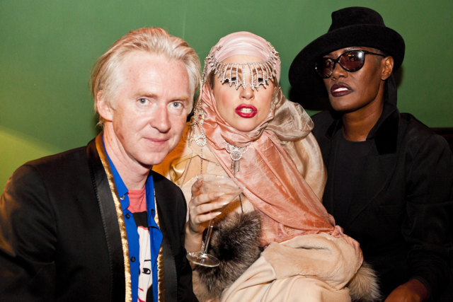 File:9-16-12 Philip Treacy after party 009.png