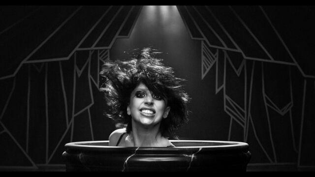 File:Applause Music Video 016.jpg