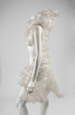 File:Vera Thordardottir - White outfit.jpg