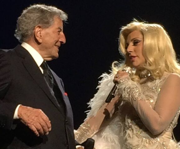 File:6-20-15 Cheek to Cheek Tour 009.jpg