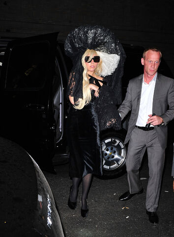 File:8-18-11 Arriving at Roseland Ballroom in NYC 001.jpg