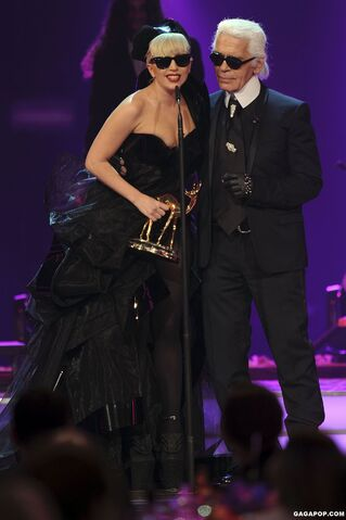 File:11-10-11 Bambi Awards 1.jpg