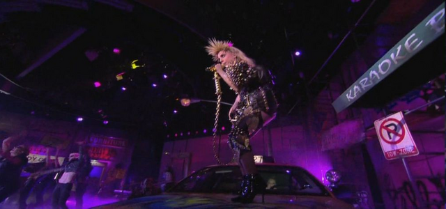 File:The Oprah Winfery Show Performance January 15 2010 007.png
