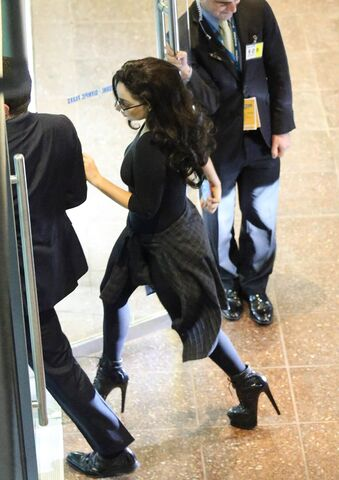File:8-23-14 Arriving at Rod Laver Arena in Melbourne 002.jpg