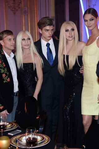 File:1-19-14 At Versace Dinner Party 004.jpg