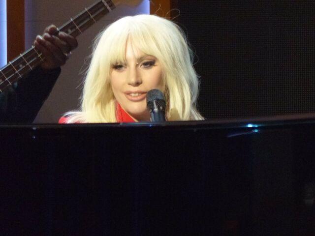 File:12-11-15 Performance at Billboard WIM in NYC 001.jpg