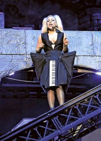 File:The Born This Way Ball Tour Just Dance 002.jpg