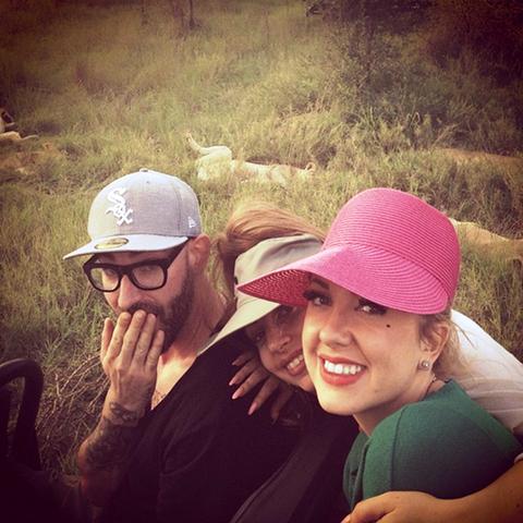 File:11-28-12 Gaga at Safari in South Africa 006.png