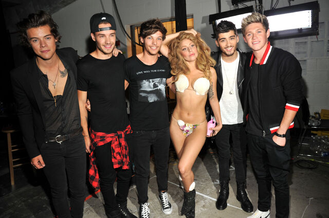 File:8-25-13 MTV VMA's Backstage 007.jpg