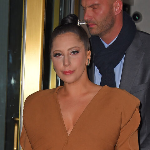 File:12-3-14 Leaving her apartment in NYC 004.JPG