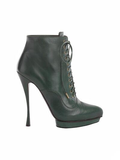 File:Alexander McQueen 2012 Laced Shoe Boots.jpg