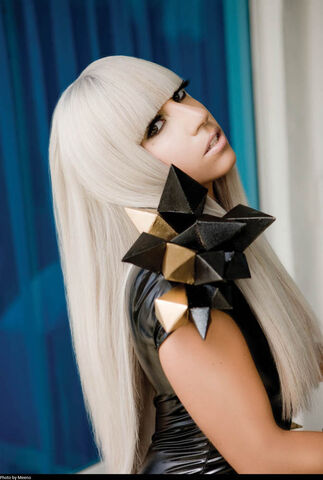File:The Fame USB 019.jpg