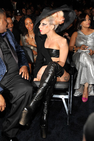 File:2-13-11 Grammy Audience 002.jpg