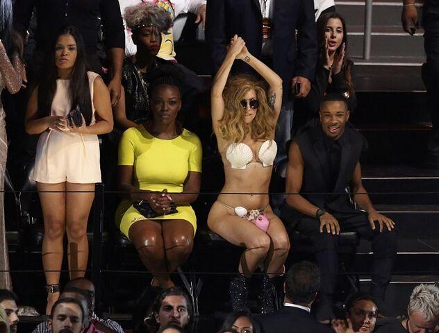 File:8-25-13 MTV VMA's Audience 003.jpg