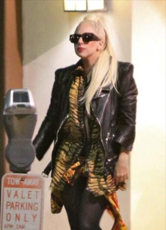 File:2-3-12 Leaving Restaurant in LA with Taylor Kinney 2.jpg