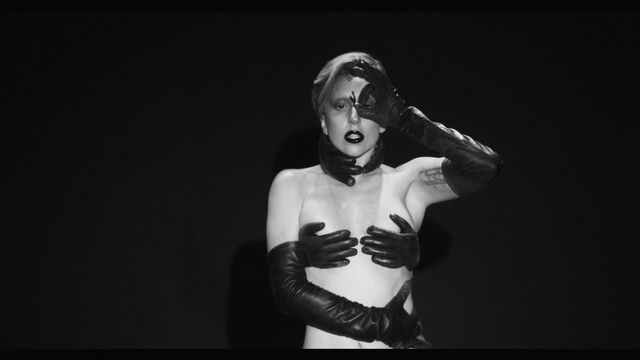 File:Applause Music Video 044.jpg