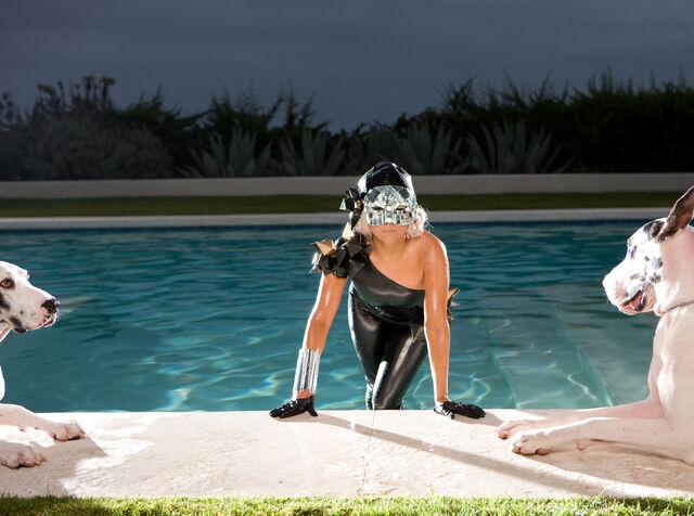 File:Black Crystal Catsuit 08.jpg