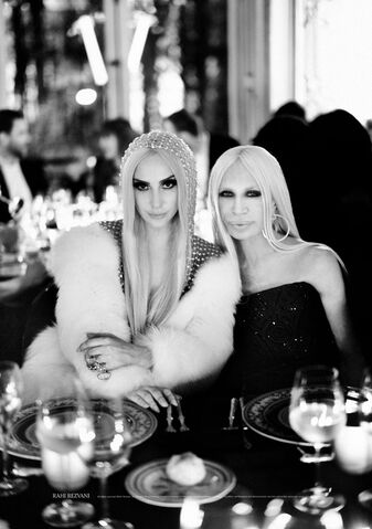 File:1-19-14 At Versace Dinner Party 003.JPG