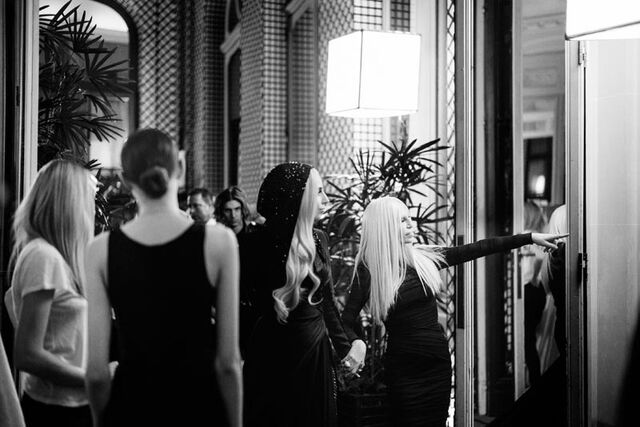 File:1-19-14 At Versace Fashion Show Backstage 002.jpg