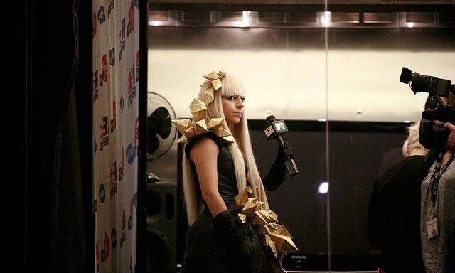 File:11-20-08 MTV News 001.jpg