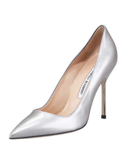 File:Manolo Blahnik - BB Point-toe metallic pump.jpg