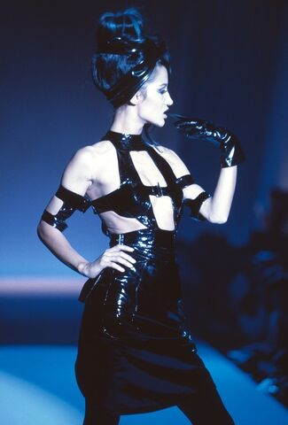 File:Thierry-mugler-spring-1991-dress-profile.jpg